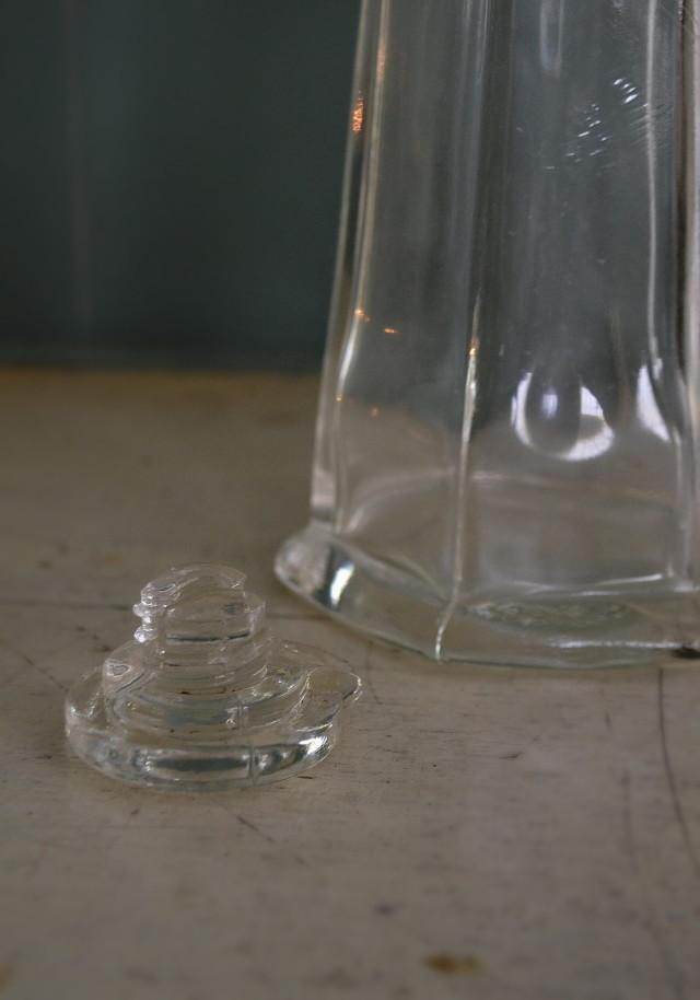 ガラスの大きな醤油さし ガラス花入れ 昭和レトロ