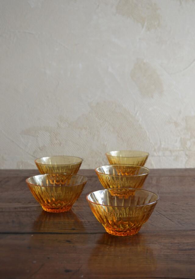 プレスガラス小鉢 昭和レトロ イエローオレンジ 一個