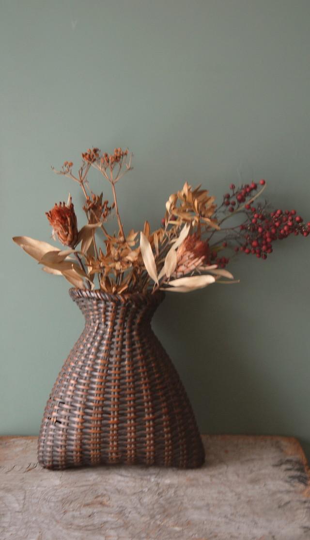 古い籠 魚籠 花生籠 花器