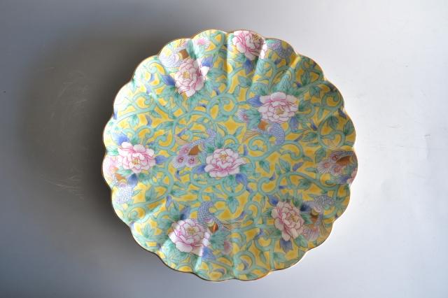 黄地緑彩皿