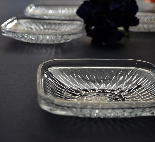 昭和レトロ プレスガラス角皿 ガラス皿 五枚組