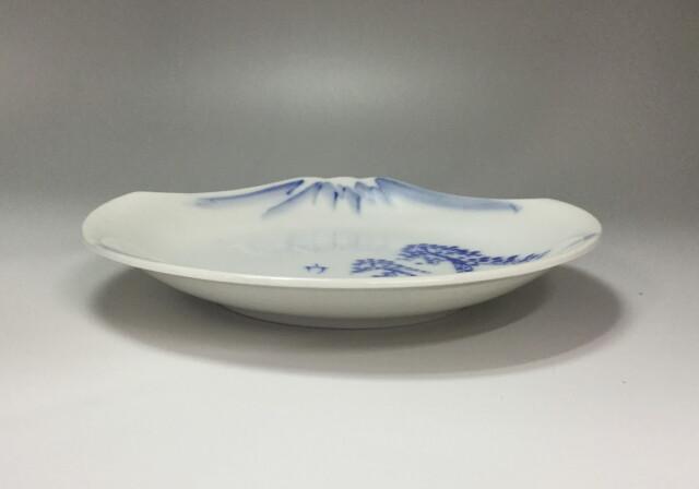 手描き富士山図山型変わり皿