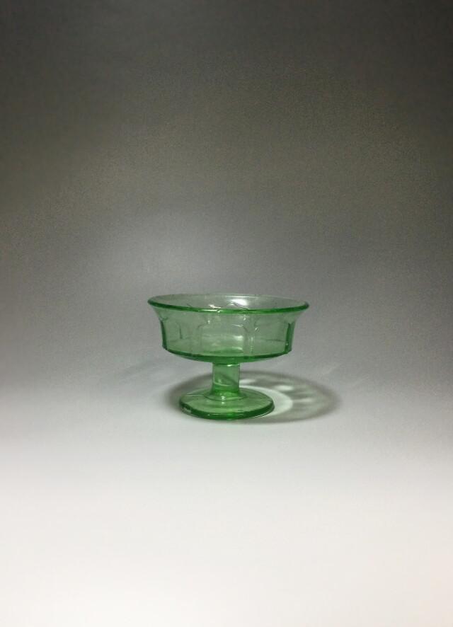 きれいなグリーン色の氷カップ