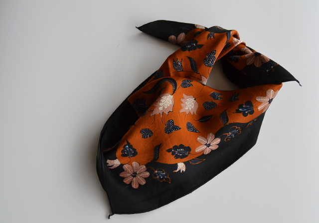 シルク手描き更紗スカーフ