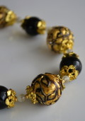 ベネチアンビース 黒とゴールドネックレス