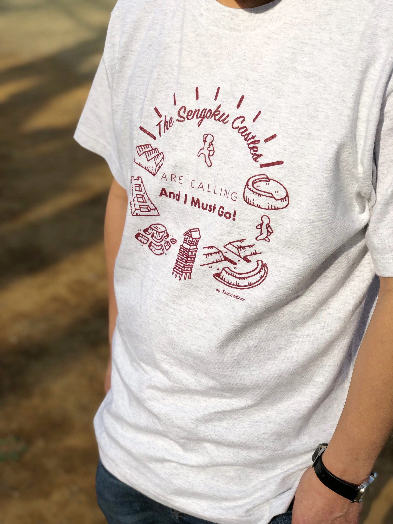 戦国のお城が私を呼んでいるTシャツ