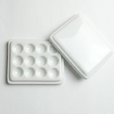 白磁12穴皿(フタ付)10×8cm