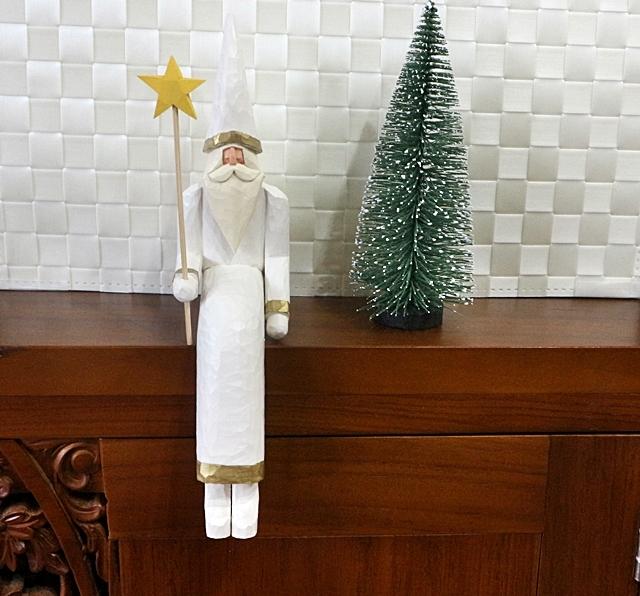 イソベサンタ、 サンタ、 クリスマス、 座りサンタ星もち袋 、白