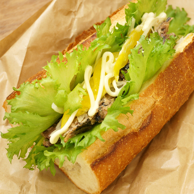 鰯白焼きサンドイッチ