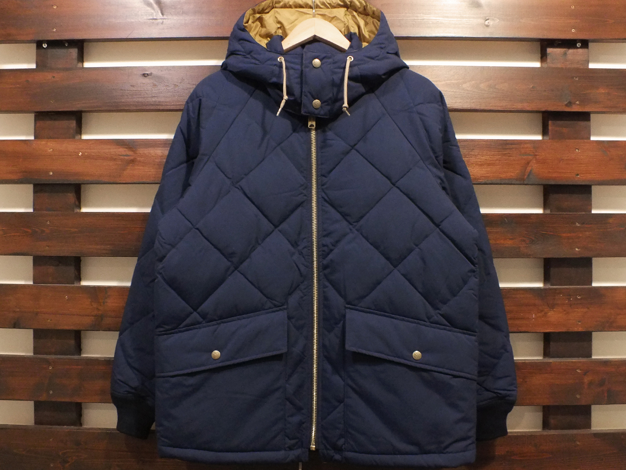 【送料無料】STANDARD CALIFORNIA CLASSIC QUILTED DOWN JACKET NAVY