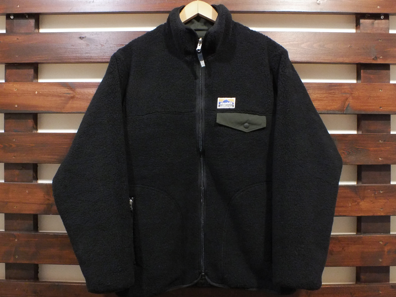 【送料無料】STANDARD CALIFORNIA FLEESTRETCH REVERSIBLE JACKET OLIVE/BLACK