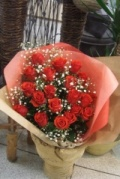 【花束・ブーケ】 バラとかすみ草の豪華な花束