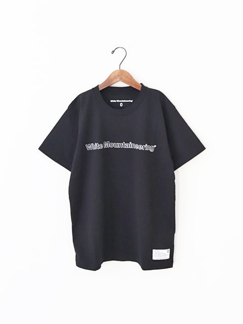 【40%OFF】 White Mountaineering (ホワイトマウンテニアリング) PRINTED T-SHIRT -WHITE MOUNTAINEERING  (ロゴTee/メンズサイズ)