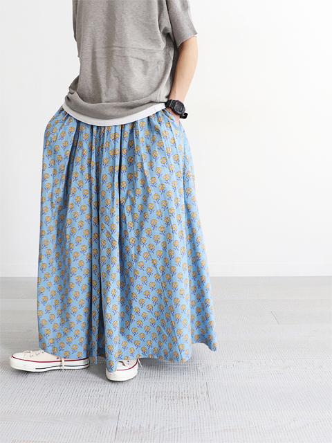 adeu (アデウ) 花柄・ギャザースカート