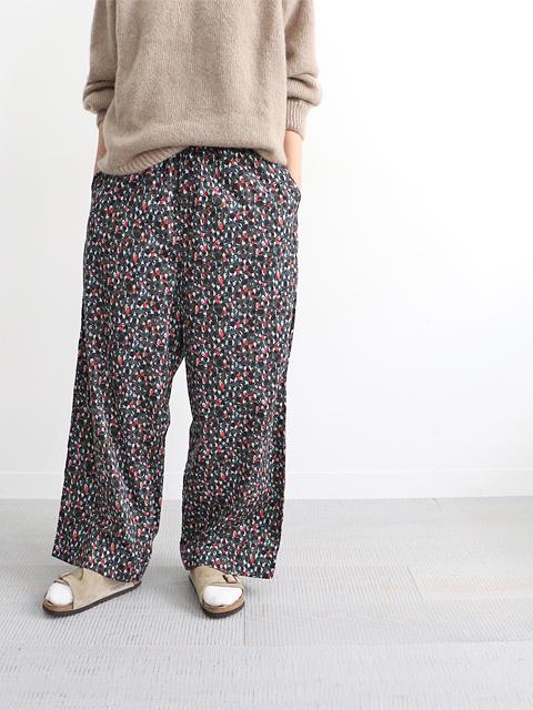 TOUJOURS (トゥジュー) Relax Pants (花柄リラックスパンツ)