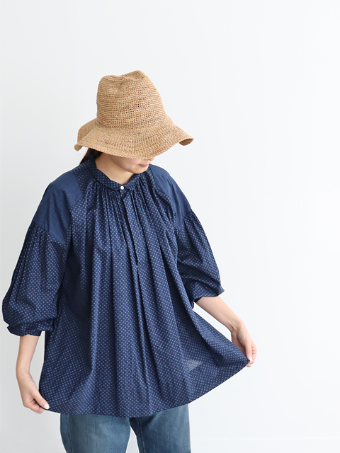 TOUJOURS (トゥジュー) Shoulder Patched Surplice Shirt - MM32QS02