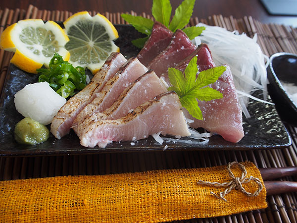 ブリ・カツオ藁焼きたたき食べ比べセット(ブリ2袋600g、カツオ1袋約350g)【勇進】