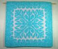 60センチ角、ハワイアンキルト、ムラ染め、タペストリー、手縫い、色合い、フィッシュインコーラル、パステルブルー、ホワイト