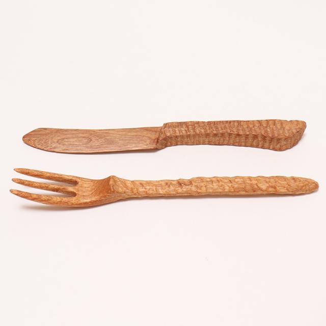 木のぬくもり雑貨 手作り 木製食器 クルミの木フォーク&ナイフセット 色柄1点もの 蜜ろう塗り加工