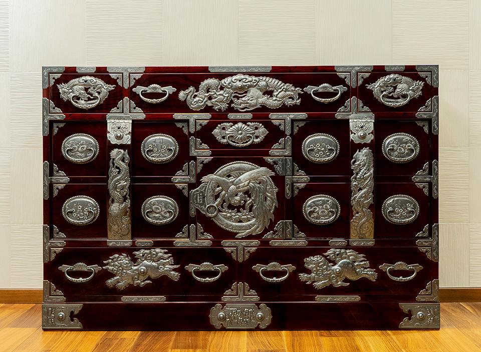 【令和元年記念・彫金手打金具】仙台箪笥 四・五尺部屋箪笥90 木地呂漆塗り