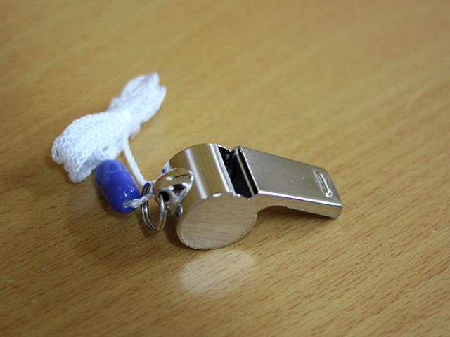 メタル呼子笛