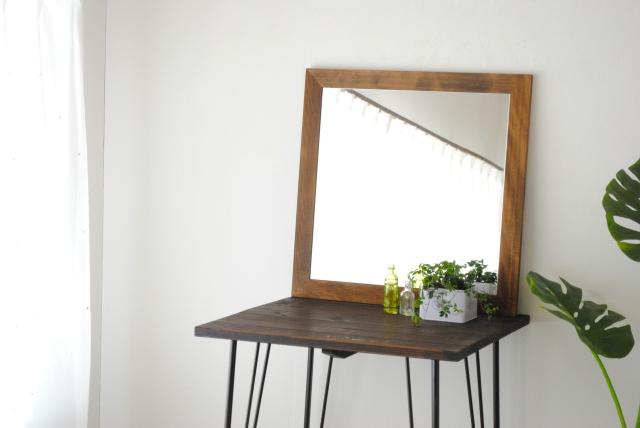 レオン ウォールミラー 壁掛け 鏡 アンティーク調 天然木 日本製 ブラウン ナチュラル W600×600