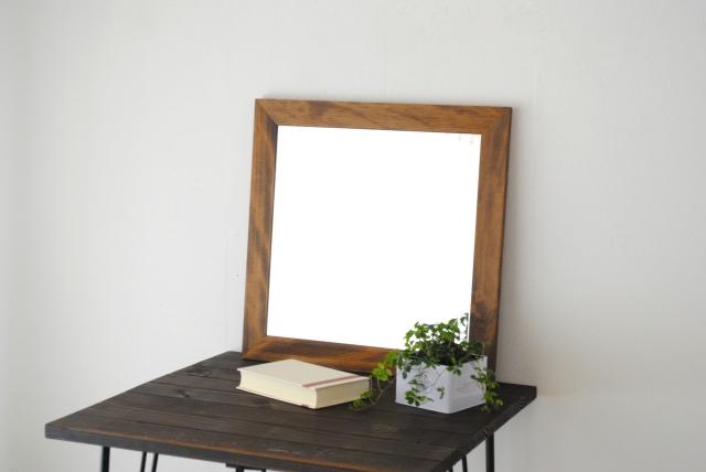 レオン ウォールミラー 壁掛け 鏡 アンティーク調 天然木 日本製 ブラウン ナチュラル W500×500