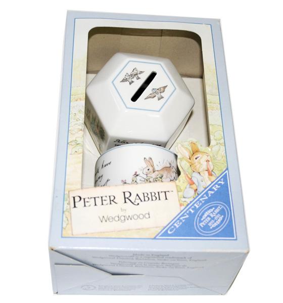 廃番 ウェッジウッド wedgwood ピーターラビット 100周年記念 貯金箱&マグカップ 箱入りセット