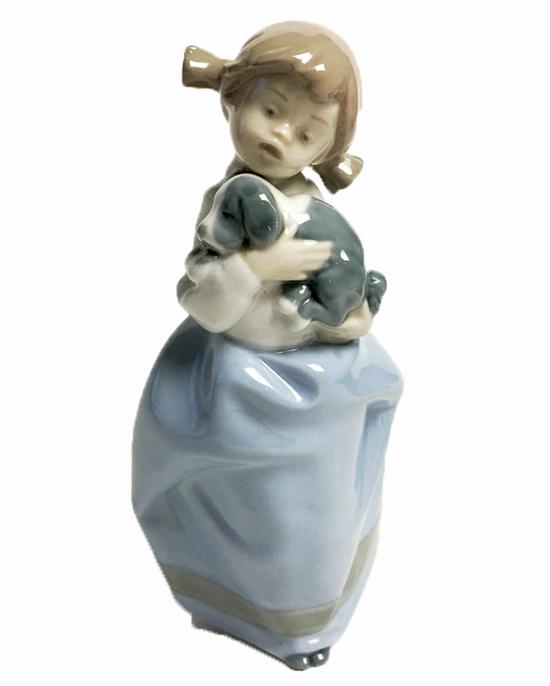 リヤドロ LLADRO NAO 子犬と少女のフィギュア 陶器人形