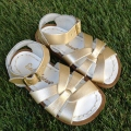 【Salt Water Sandals(ソルトウォーターサンダル)】Infants・The Original/gold/13.3cm14.3cm15.1cm15.7cm