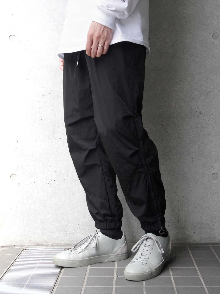 "【2020AW】 ANEI (アーネイ)  ""SIDEZIP TECH JOGGER ""A"""" <パンツ> - BLACK"