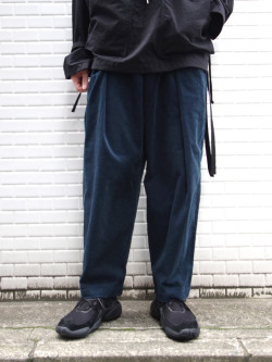 "【20AW】 ■RELAXFIT (リラックスフィット) ""WRAP EASY CORDUROY PANTS"" <イージーパンツ> - NAVY"