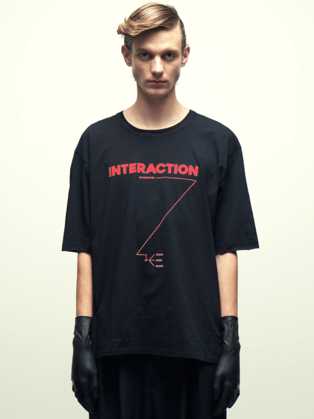 """wizzard (ウィザード)  """"PRINT CUTSEW """"INTERACTION"""" <カットソー> - BLACK×RED"""