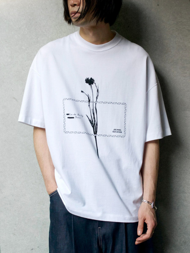 "【21SS】 ALMOSTBLACK (オールモストブラック) ""GRAPHIC TEE ""AIR MAIL"""" <Tシャツ/カットソー>"