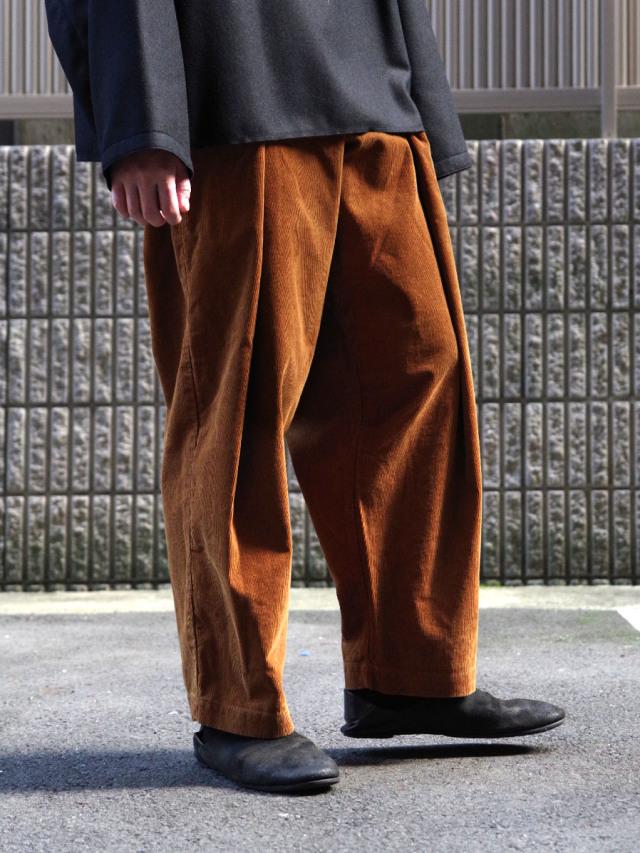 """【20AW】 RELAXFIT (リラックスフィット) """"WRAP EASY CORDUROY PANTS"""" <イージーパンツ> - CAMEL (ブラウン系)"""