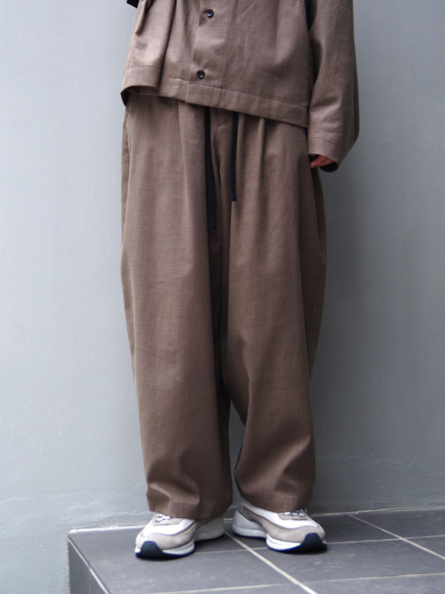 "【21SS】 my beautiful landlet (マイビューティフルランドレット)  ""COTTON LYOCEL&LINEN CANVAS BACK WRAP WIDE EASY PANTS"" <パンツ> - BROWN"