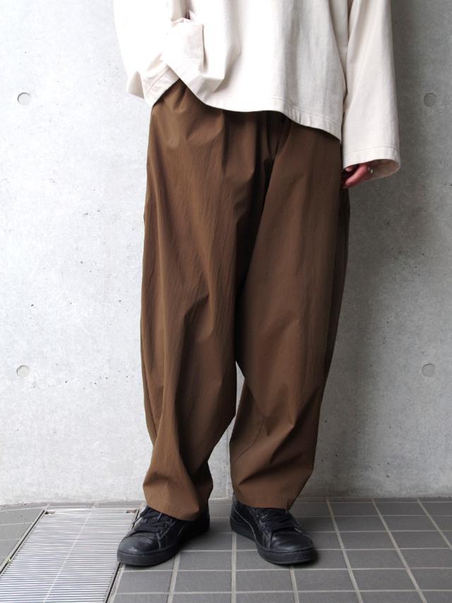 """【21SS】 my beautiful landlet (マイビューティフルランドレット)  """"TECHNO WIDE EASY PANTS"""" <パンツ> - BROWN"""