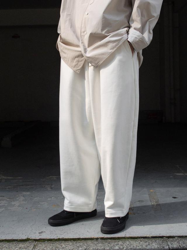 "my beautiful landlet ""TUMBLER BRUSHED BACK WIDE SWEAT PANTS"" - OFF WHITE"