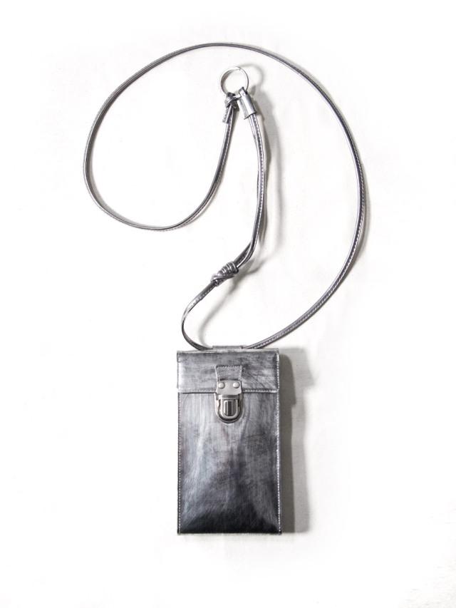 "PATRICK STEPHAN (パトリックステファン) ""Mobile pochette 'cartable'"" 213ABG05 <サコッシュ  スマートフォンバッグ> - SCRATCH SILVER"