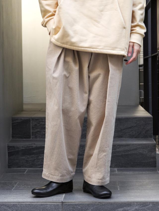 "【SHELTER別注カラー】 ■RELAXFIT (リラックスフィット) ""WRAP EASY CORDUROY PANTS"" <イージーパンツ> - CREAM"