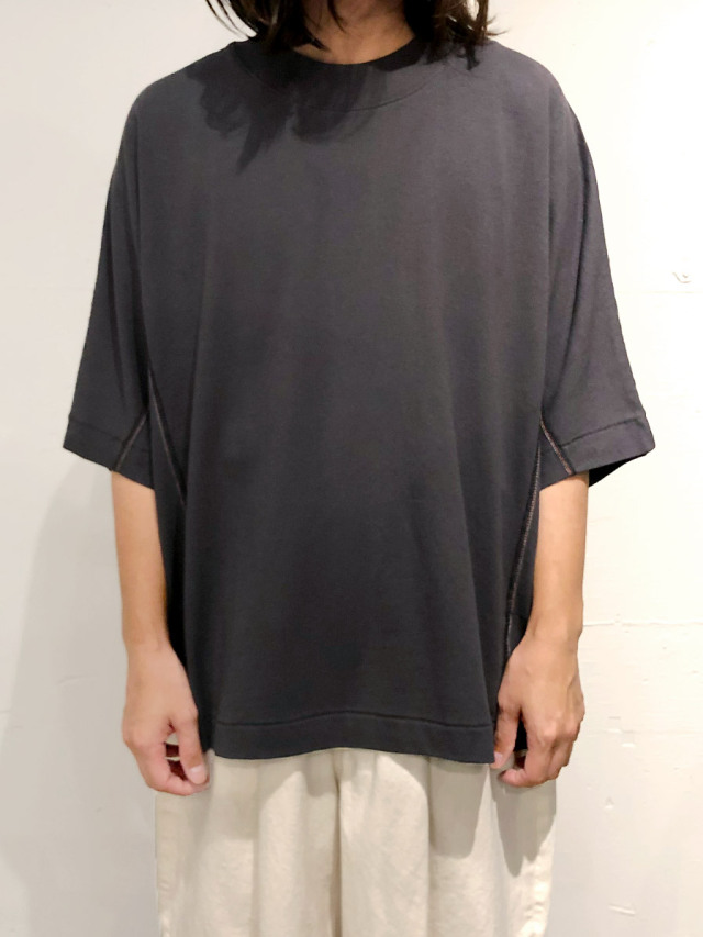 """【2021SS】 SHINYAKOZUKA (シンヤコヅカ) """"DOLMAN WITH FRUIT OF THE LOOM"""" <Tシャツ カットソー> - DARK GRAY"""