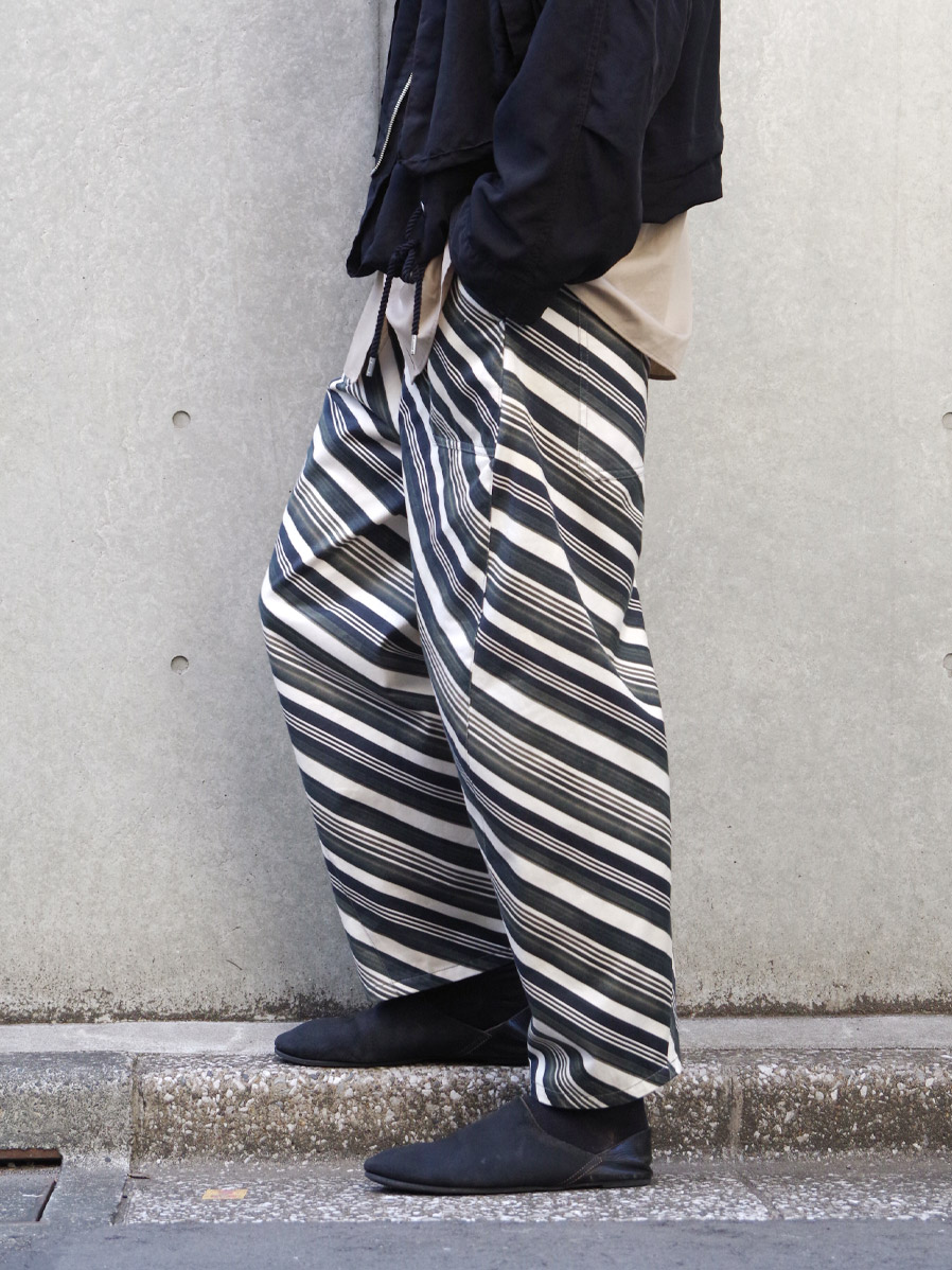 "【2021SS】 MASU (マス/エムエーエスユー) ""VASE PATTERN WORK PANTS"" <パンツ> - FADED BLACK"