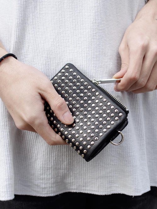PATRICK STEPHAN (パトリックステファン) Leather micro wallet 'all-studs' -SILVER STUDS #106AWA07  <レザーウォレット/二つ折り財布>