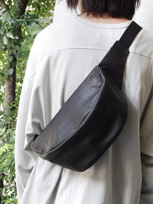 "PATRICK STEPHAN (パトリックステファン) ""Leather waist bag 'demi cercle' douce"" #171ABG10 <ボディバッグ>"