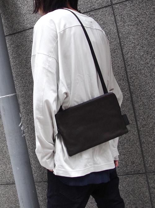"""PATRICK STEPHAN (パトリックステファン) """"Leather shoulder bag 'pouch'"""" #181ABG03 <サコッシュバッグ>"""