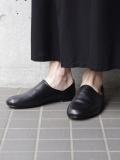 【予約商品】 AUTTAA (アウッタ) // ROOM SHOES type2(レザーシューズ/スリッポン) - BLACK(表革)