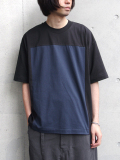 "【18AW】 my beautiful landlet (マイビューティフルランドレット)  ""cotton block tee"" <カットソー> - CHARCOAL GRAY×NAVY"