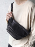 "PATRICK STEPHAN (パトリックステファン) ""Leather waist bag 'demi cercle' douce"" #194ABG02 <ボディバッグ>"