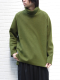 "【19AW】 VOAAOV (ヴォアーブ)  ""wool big high-necked"" <タートルネックニット> - GREEN"