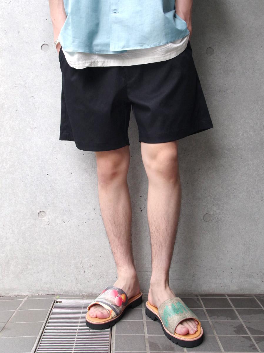 "【SALE】 soe (ソーイ)  ""Classic Tuck Shorts"" <ショートパンツ> - BLACK"